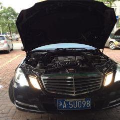 奔驰E200低配升级小糸Q5双光透镜-E200升级氙气大灯
