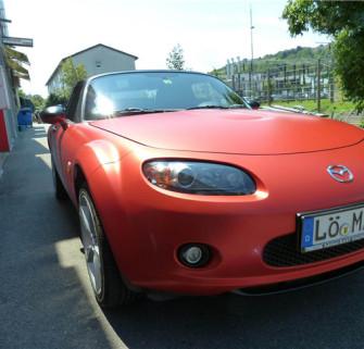 德国PWF电光金属红车身改色膜产品实拍图片