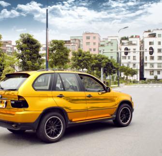 宝马X5车身改色贴膜电镀金