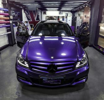 奔驰C200车身改色贴膜金属珠光紫