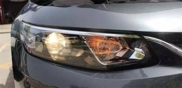 ,汽车零部件,车灯