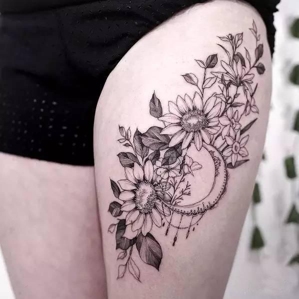 女生小腿梵花纹身分享展示