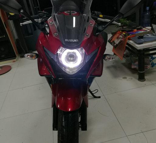 红色铃木摩托车车灯升级