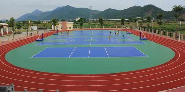 杭州一村里的篮球场地坪效果