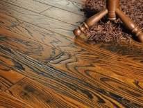 地板保养用什么蜡好呢?
