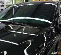 黑色Jeep琥珀光学玻璃贴膜+抛光打蜡施工案例