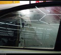 白色丰田琥珀光学玻璃贴膜施工案例