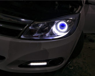 比亚迪速锐升级Q5双光透镜,白色天使眼,蓝色恶魔眼
