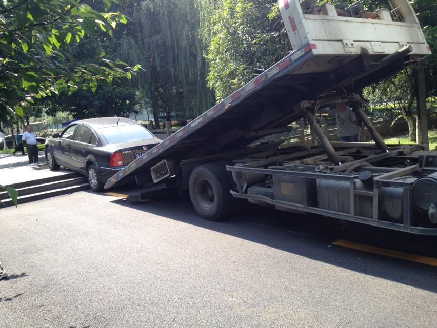 常州拖车救援案例,华东物流公司