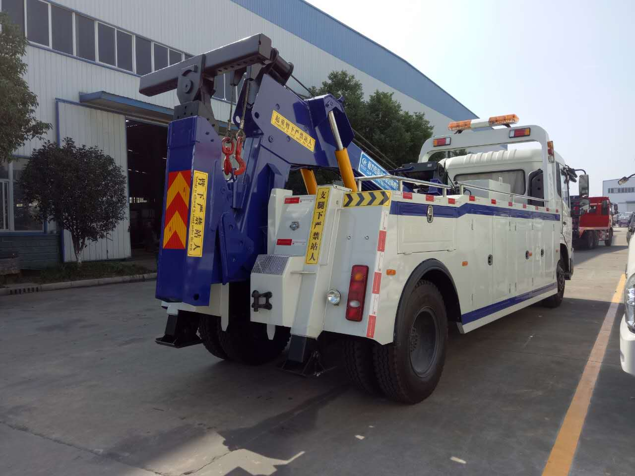 唐山道路清障车救援服务