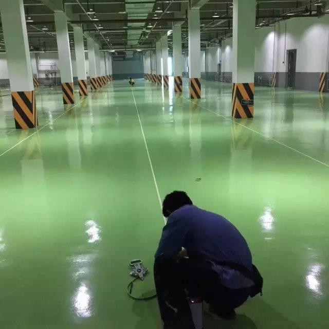 装甲地坪施工,潍坊密封固化地坪带您深度了解环氧地坪