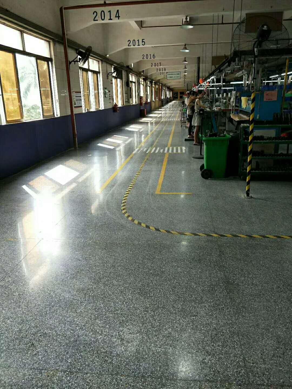 连云港某工厂车间用的固化地坪施工效果