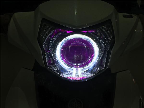 雅马哈劲战150_雅马哈新福喜150女装麾托车改GTR透镜案例展示-东莞名亮车灯升级