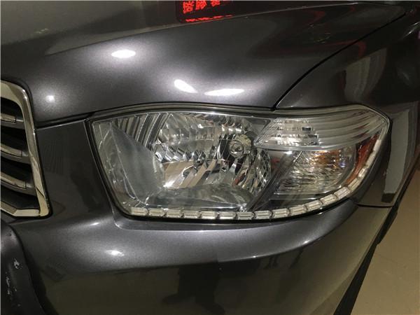 丰田汉兰达改GTR透镜+流光转向日行灯案例