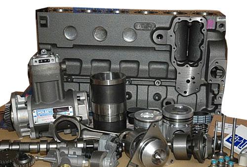 油在自动变速箱内部循环时,吸收内部机件发出的部分热能,再通过散热器