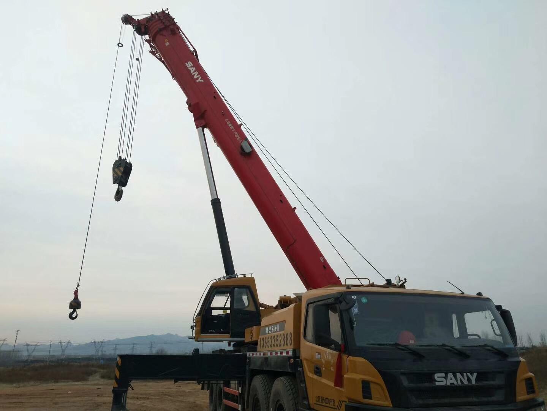 平泉吊车救援车辆展示