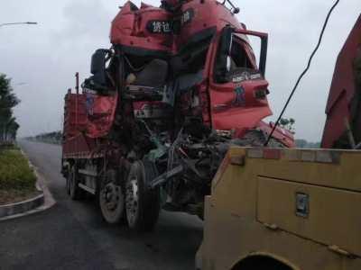 「沂南拖车」现场大型挂车事故救援案例