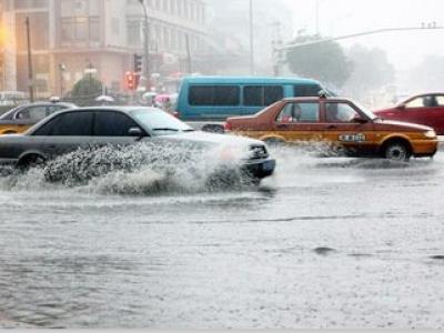 「沂南汽车救援公司」分析在暴雨中行车的实用经验