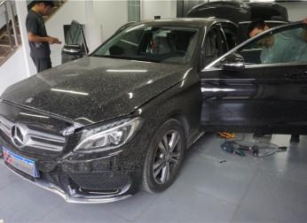 奔驰C200原厂改装电尾门、一脚踢、无钥匙进入 北京星辉无界奔驰原厂升级