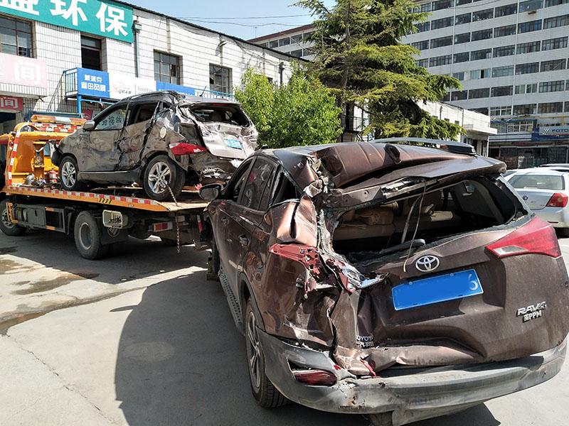 兰州事故拖车