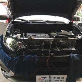 灯光改装车型:三菱欧蓝德