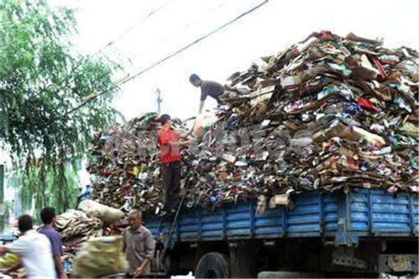 大量废品回收