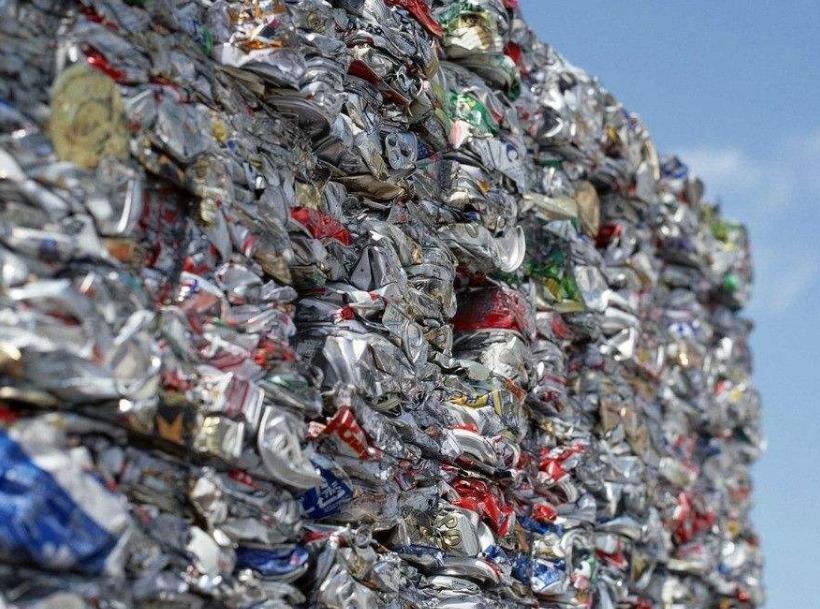 易拉罐废品回收