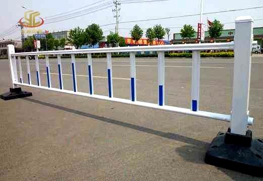 护栏钢结构