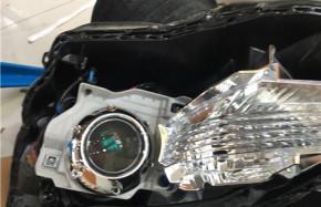 灯光改装车型:丰田锐志