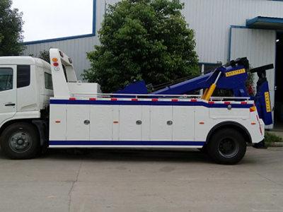 田林拖车救援公司告诉你车子彻底没油了怎么办?