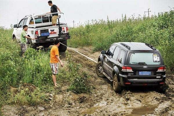 邢台专业拖车救援公司详解自行拖车的注意事项