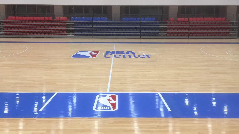 篮球场翻新后照片