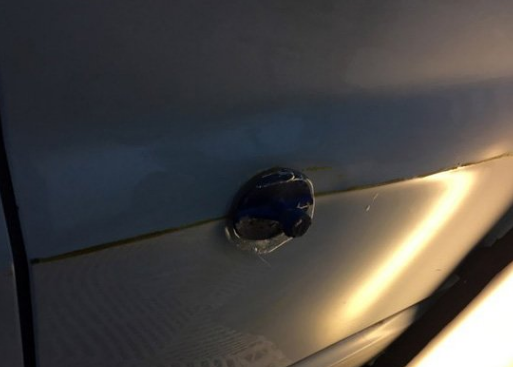 凯迪拉克车门凹坑修复