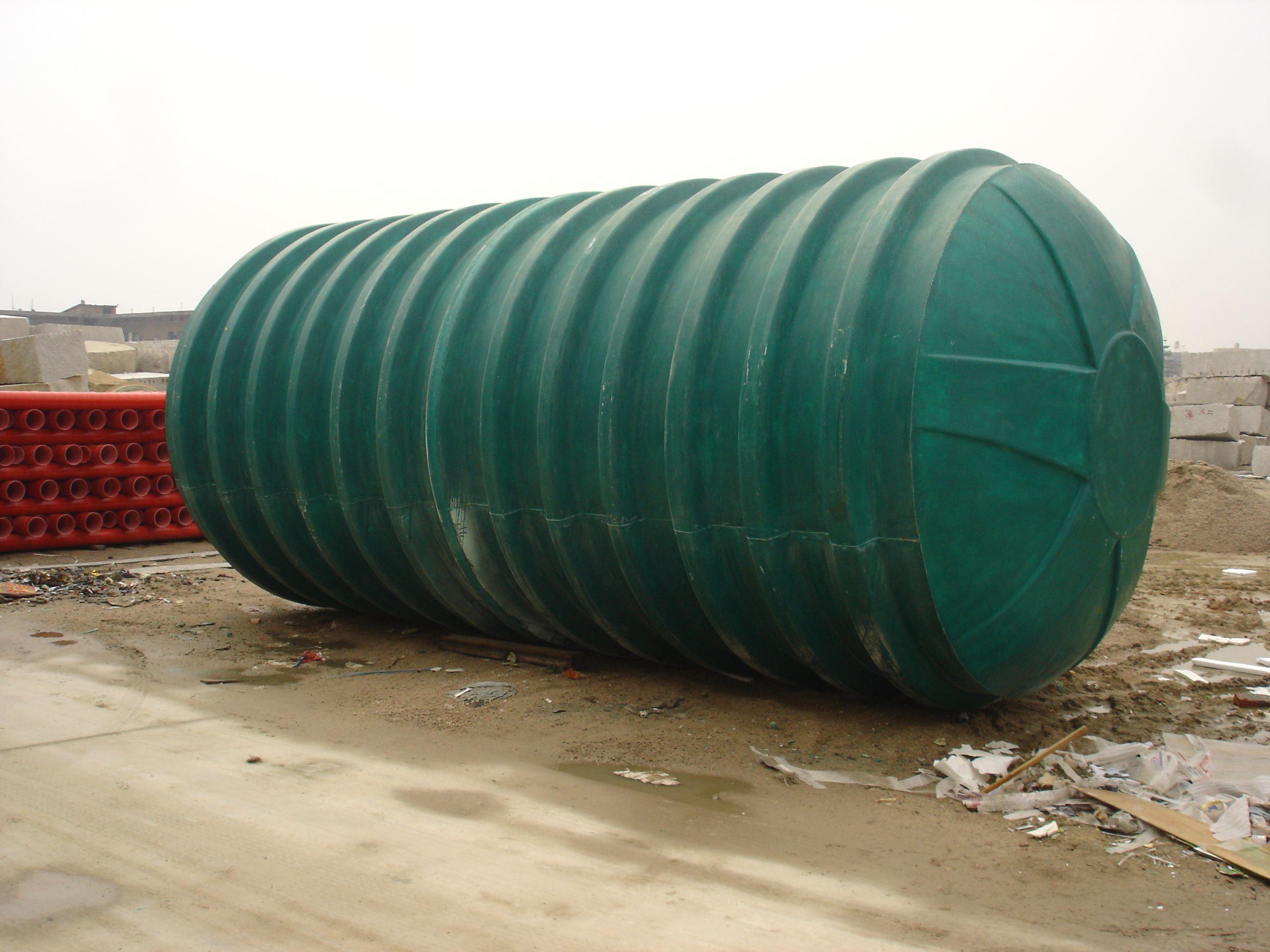 玻璃钢化粪池具有轻质高强、不腐蚀、无渗漏