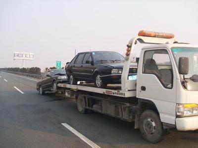 「临沂救援」高速救援拖车