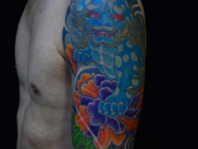 连江纹身半臂刺青