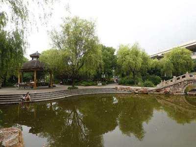 上海彭浦新村公园今天9时正式向游客开放