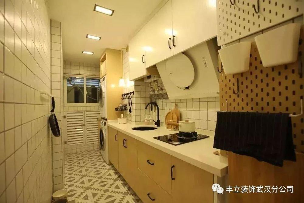 厨房墙面不知如何贴砖?看看这些设计方案!