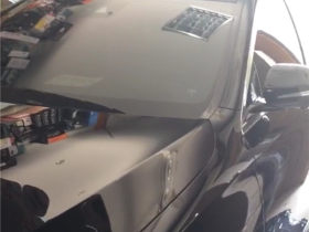 奔驰E300  SANSUI四门专业环保隔音