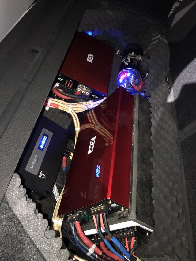 21,为汽车添加RS-R130电源管理器,功放和处理器做合理摆放