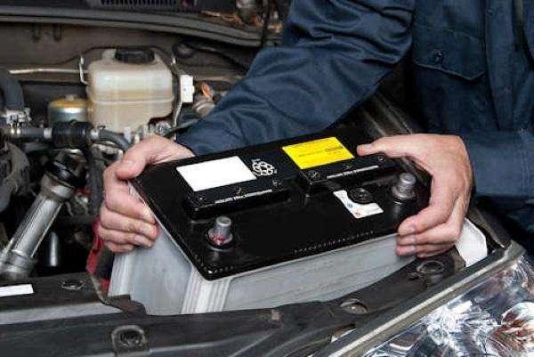 济宁高速救援认为汽车出现这些情况,说明要换蓄电池了!