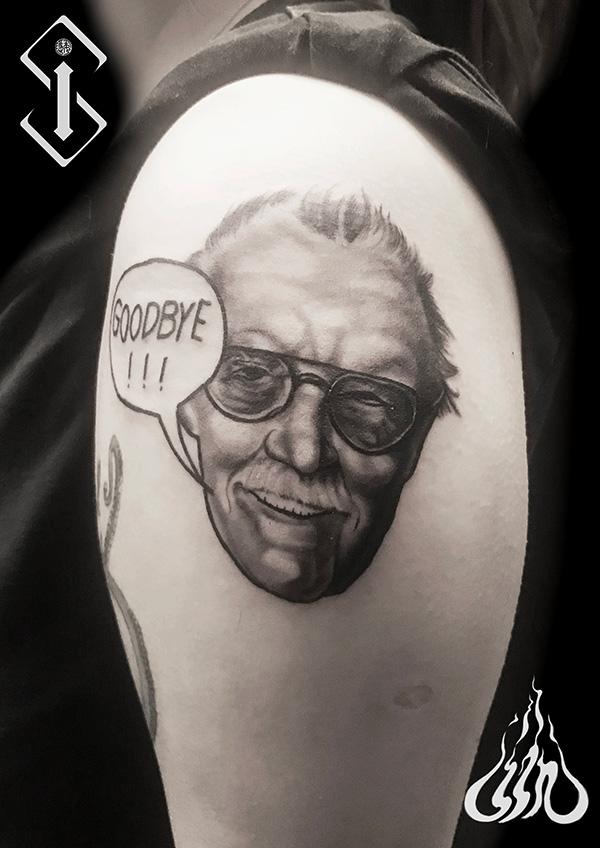 人物肖像纹身-男生手臂人物肖像纹身黑白图片