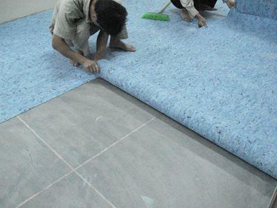 卷材塑胶地板铺装方法