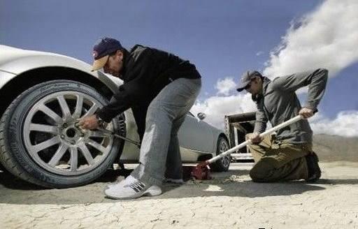 如何检查汽车散热器液位?海南州附近汽车救援公司教你具体方法