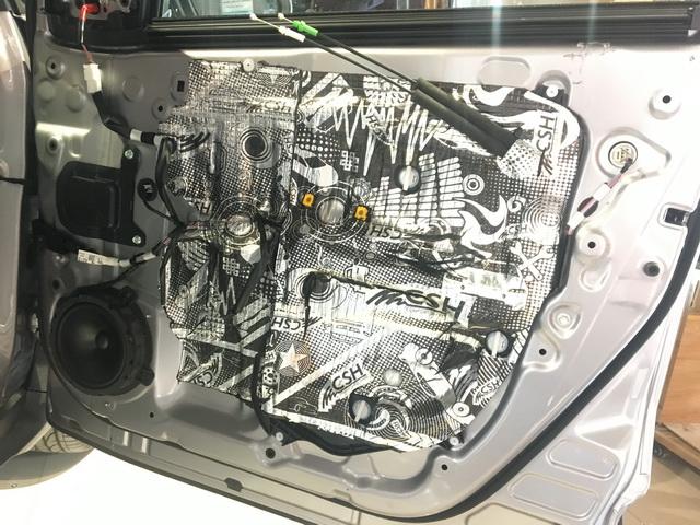 9,将德国RS音符165中低音单元安装在汽车前声场原位