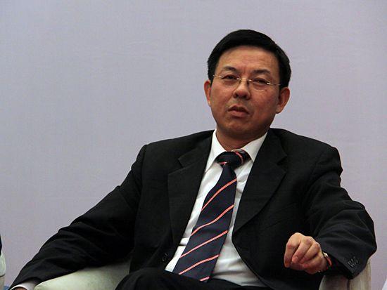 """上海调查中国富翁与加拿大华人""""小三""""大战"""