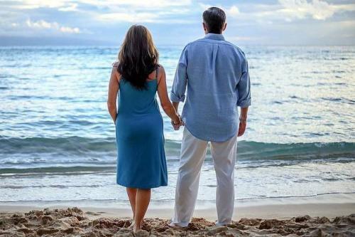 女人的情感生活乏味,最容易发生婚外情