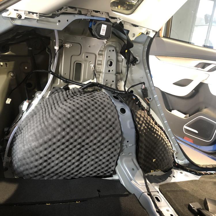 8、使用日本中道Q-Mat加GT15mm记忆棉对轮毂做双层隔音处理