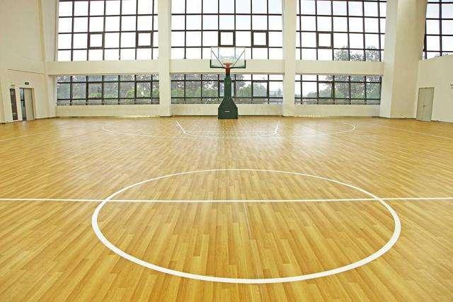 PVC室内运动地板的特点耐磨耐久、牢固稳定