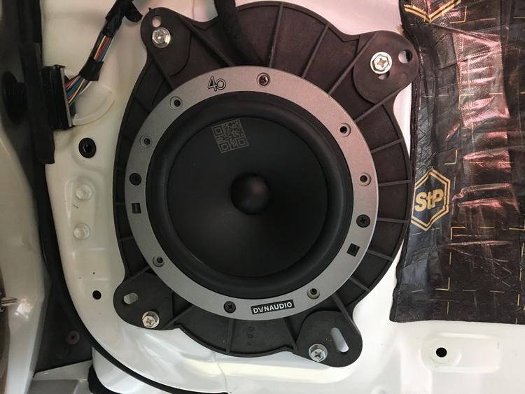 5、将丹麦丹拿236(40周年中低音单元安装砸汽车前声场位置